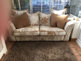 Country style settee