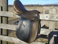 Jefferies Falcon GP english leather saddle 17 ins brown , size narrow medium, good condition