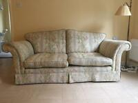 Comfy 4 piece floral suite, just needs a slight clean as is light coloured fabric