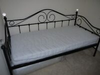 Day Bed with Trundle & Mattress