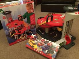 ELC Big City Garage (Boxed) Excellent Condition plus 20 cars (Boxed) cost £75 Selling for £25