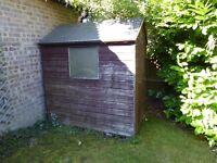 SMALL GARDEN SHED 6' X 4' - FREE!