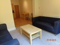 2 bed GARDEN flat, 5 mins walk to Tooting Broadway Station