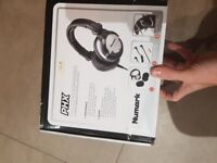 Vestax VCI 100 mk2 midi-controller (traktor Ready) , with headphones and additional power adapter