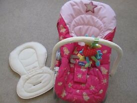 CHICCO BOUNCING/ROCKING BABY CHAIR WITH NEWBORN INSERT
