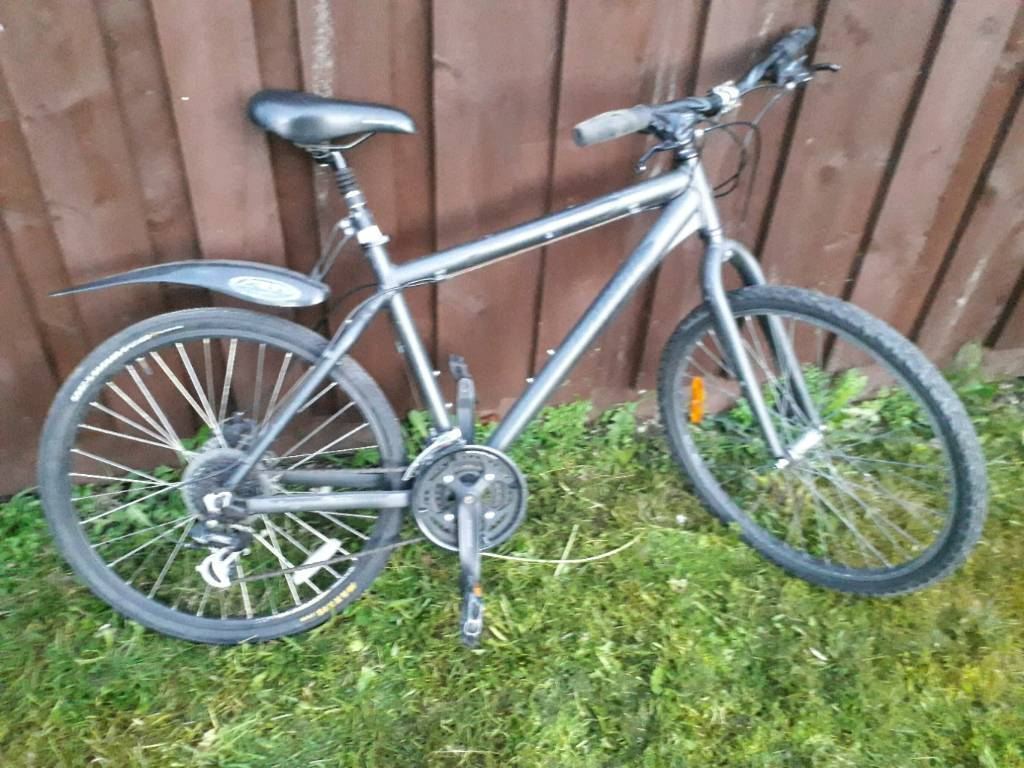 Men's giant mountain bike not perfect but rides well