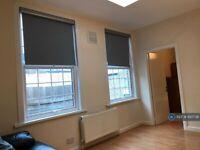 1 bedroom flat in First Floor Rear, London, W10 (1 bed) (#897738)