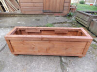 NEW - WOODEN GARDEN PLANTER/TROUGH - NEW