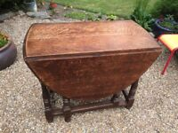 Solid Oak Gate Leg Table - Very Good Condition