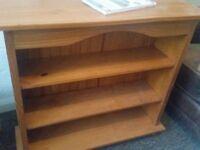 OAK Bookshelf for sale £10 good condition