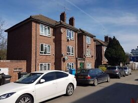 2 Bedroom Very spacious flat next to Maidenhead Station to rent