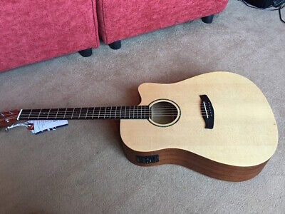 BEAUTIFUL,DREADNOUGHT,MAHOGANY,ELECTRO ACOUSTIC GUITAR,BUILT IN TUNER,M OF PEARL