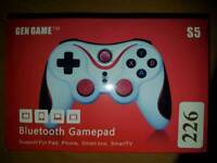 Gengame S5 wireless gamepad for PC and smartphone