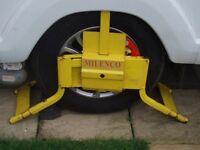 "Milenco Caravan Wheel Lock to fit Caravan wheel . Tyre size 185R/14C, 24"" wheel"