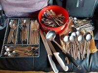 JOBLOT OF DISHES/CUTTLERY
