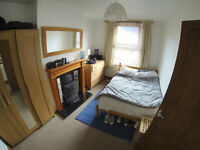 Double room available, in awesome end of terrace