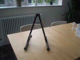 Guitar Stand For Ale