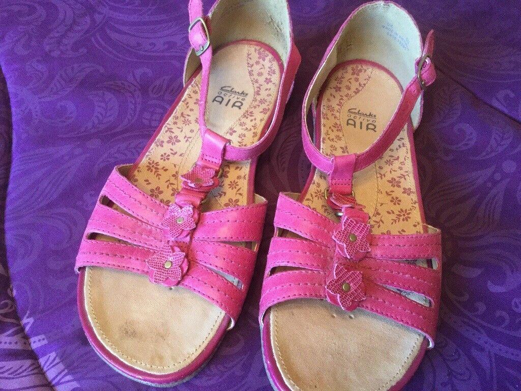 Clark's active air cerise pink sandals size 5D excellent condition cushioned sole