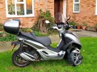 Piaggio MP3 300 YOURBAN LT - Ride on Car License