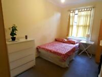 BIG DOUBLE ROOM FOR SINGLE USE IN AN ONLY 4 BEDROOMS FLAT IN THE HEART OF CRICKLEWOOD