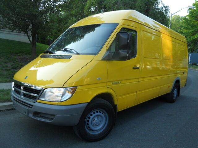 Imagen 1 de Dodge Sprinter yellow