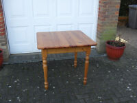 Kitchen/Dining Table in Antique Pine