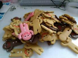 Looooads of cute gingerbread man wire holders