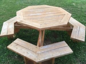 Round picnic table.