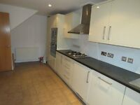 MILE END STATION 3 BEDROOM MAISONETTE NEWLY DECORATED WITH PARKING SPACE AND GARDEN
