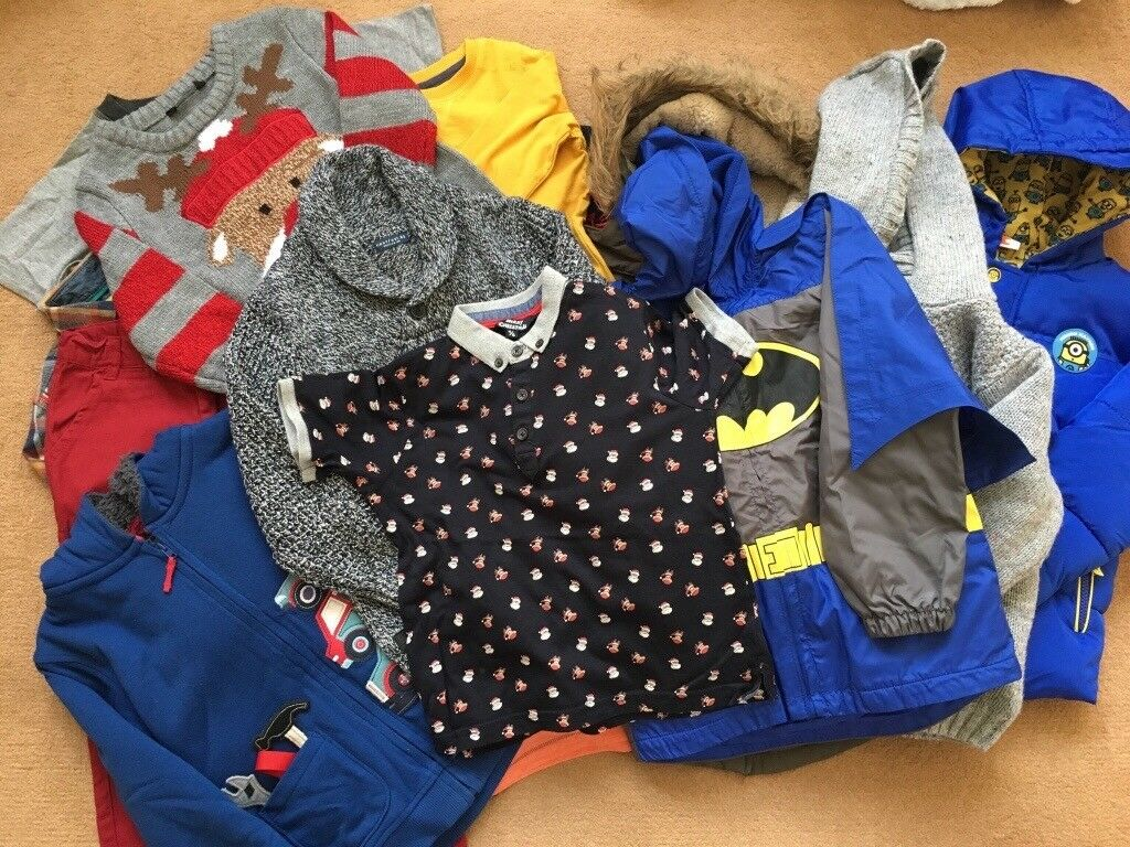 Boys winter clothing bundle, 18 items, 4-5 years.