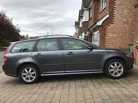 Volvo V50 2.0d Sport - 2006, full service history, cambelt done. Just had service.