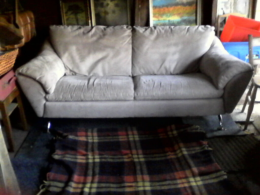 White Sofain AberdeenshireGumtree - White 3 seater settee sofa for sale, very good condition 7 X 4. £100 ono