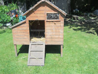 SMALL CHICKEN HOUSE, HOLDS 6 CHICKENS