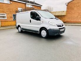 VAUXHALL VIVARO 2.0diesel 07 plate mint condition silver colour 6 mth warranty full service done