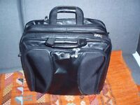 Laptop/pilot real leather Targus bag