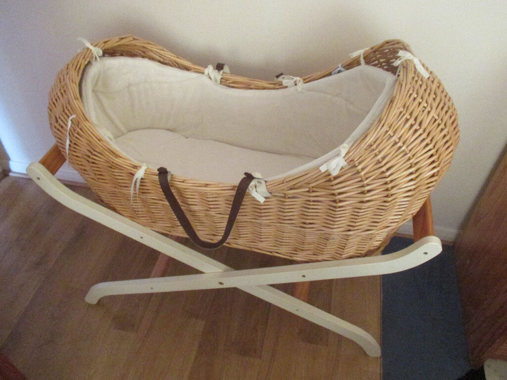 Mothercare The Snug Moses Basket With Mothercare Luxury