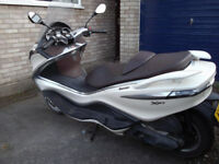 Piaggio X10 350ie Executive (330cc)