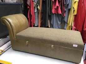 Chaise longue blanket box