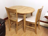 Extending dining set - Table with 4 chairs