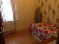 Double Room Rent ASAP-Close to Stratford Westfield Female or Single professional