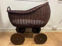 MJ mark Moses basket cot bed