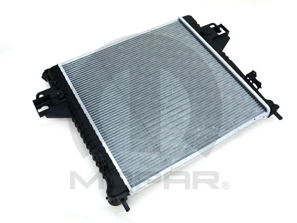 Radiator Mopar 68020278AA