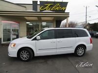 2014 Chrysler Town & Country Touring 7 passagers