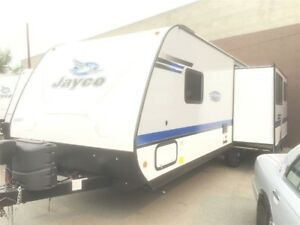 2018 Jay Feather 27 REAR LIVING