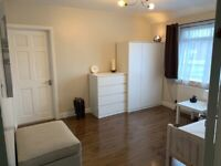 LUXURY DOUBLE ROOM FOR SINGLE OCCUPANT!