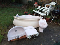 FREE TO PICK UP: full coral bathroom suite