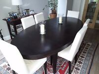 Oval Extendable Mahogany Stained Dining Table by 'Elephant' Seats 8