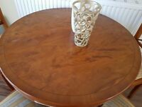Extendable Dinning Table with 4 Chairs