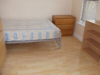 WOOD GREEN LARGE STUDIO FLAT OWN SEPARATE KITCHEN AND BATHROOM BILLS INCLUDED