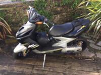 Yahama aerox 50cc moped